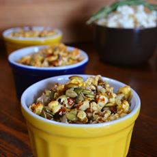 Pumpkin and Rosemary Popcorn Crumble by Gormandize