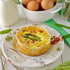 Bacon, Asparagus And Cheddar Quiche