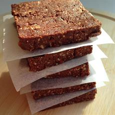Date And Goji Berry Raw Slice