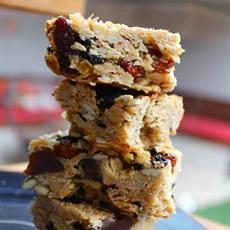 Oat and Apricot Granola Bars