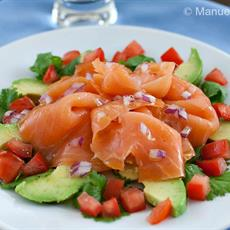 Smoked Salmon And Avocado Salad by Manu's Menu