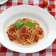Spaghetti With Home-Made Tomato Sauce